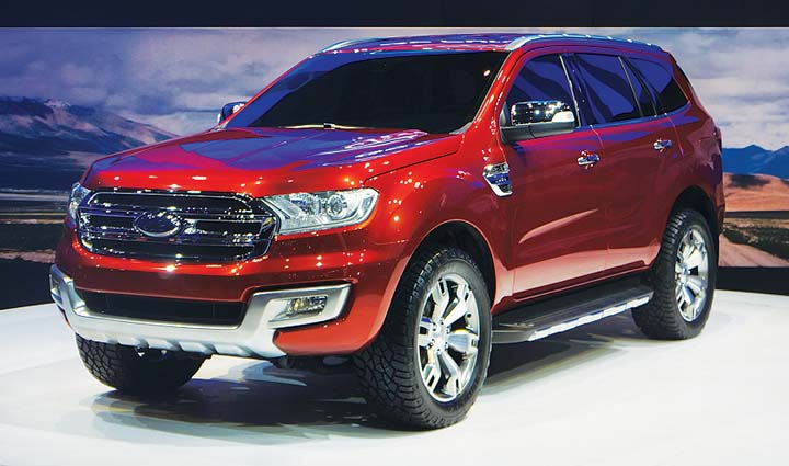 2015 Ford Everest front design