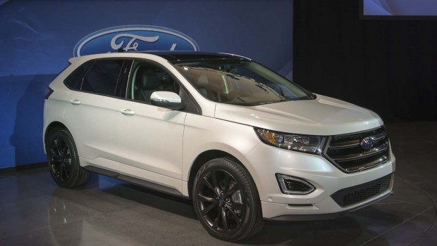2016 Ford Edge white color