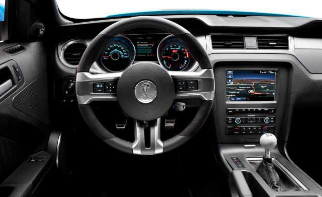 2017 Ford Mustang GT interior concept