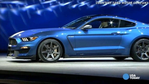 2017 Ford Mustang Shelby blue color pic wallpaper